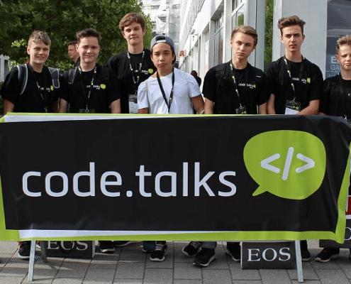 Schüler zu Besuch bei der Code Talks Konferenz