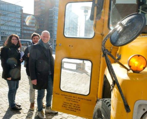 Schulbus beim Digital Summit für Lehrkräfte