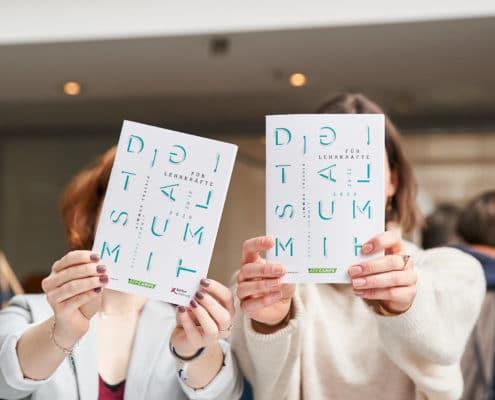 Flyer des Digital Summit 2020. Einer Lehrerkonferenz zum Thema Digitalisierung