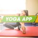 Mädchen beim Yoga üben